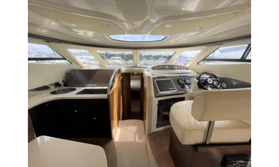 Fairline Targa 34 image 1