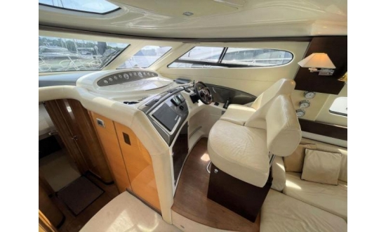 Fairline Targa 34 image 2